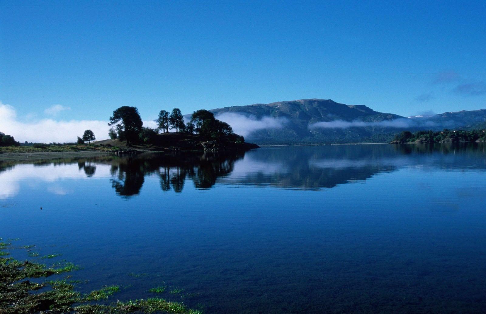 Lago Alumine, Argentina. 485 kms
